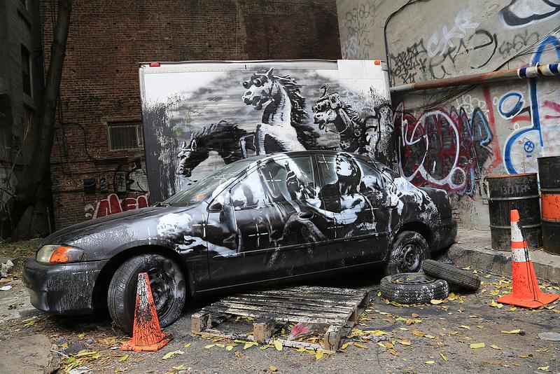 new york better out than in banksy i love graffiti de. Black Bedroom Furniture Sets. Home Design Ideas
