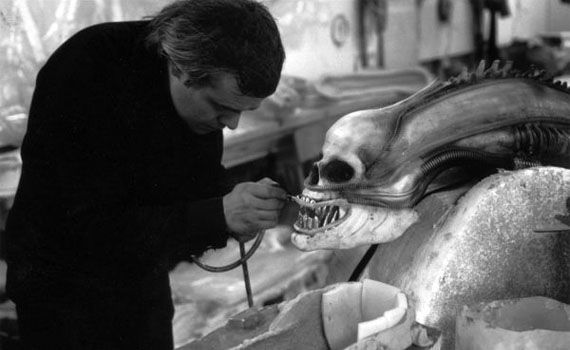 HR-Giger-working-on-original-Alien
