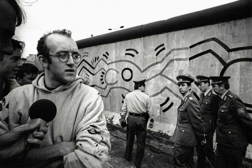 Keith-Haring-Berlin-1986.-Photo-Vladimir-Sichov-865x577