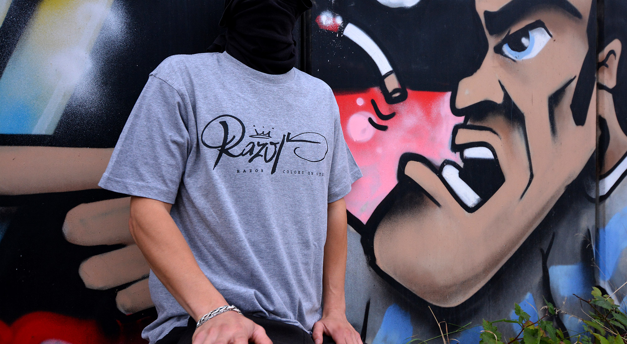 RAZOR-T-Shirt-Grey-Teaser-s