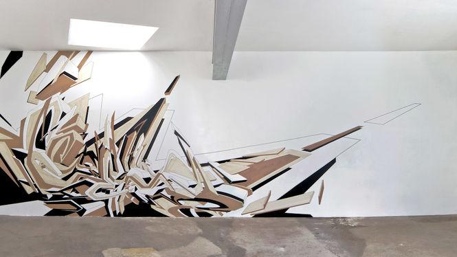 "Artist: Mirko Reisser (DAIM) | ""DEIM - from corner to corner"" | taping on wall | 370 x 1100 cm | 28.10.2007"